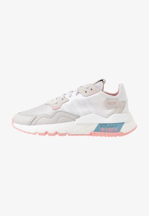 NITE JOGGER  - Sneakers basse - footwear white/glow pink/grey one