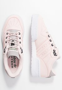 adidas Originals - RIVALRY - Trainers - halo pink/trace green - 3
