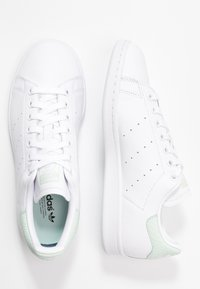 adidas Originals - STAN SMITH - Sneakers - footwear white/dash green/core black - 3