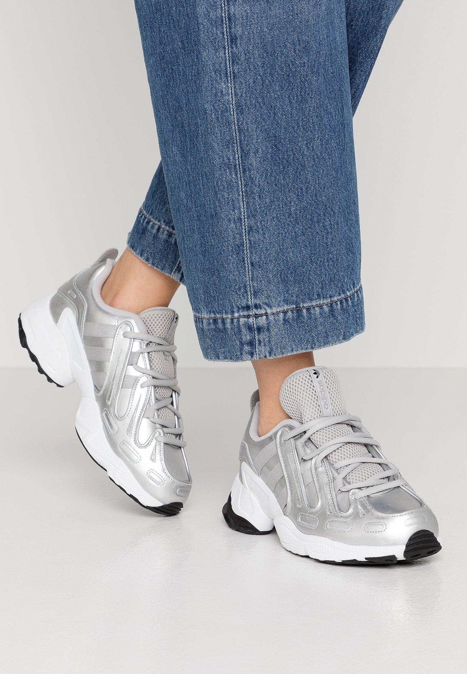 adidas Originals EQT GAZELLE - Sneakersy niskie - silver metallic/footwear white