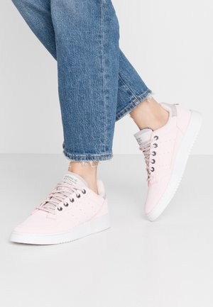 SUPERCOURT  - Sneakers laag - halo pink/trace green