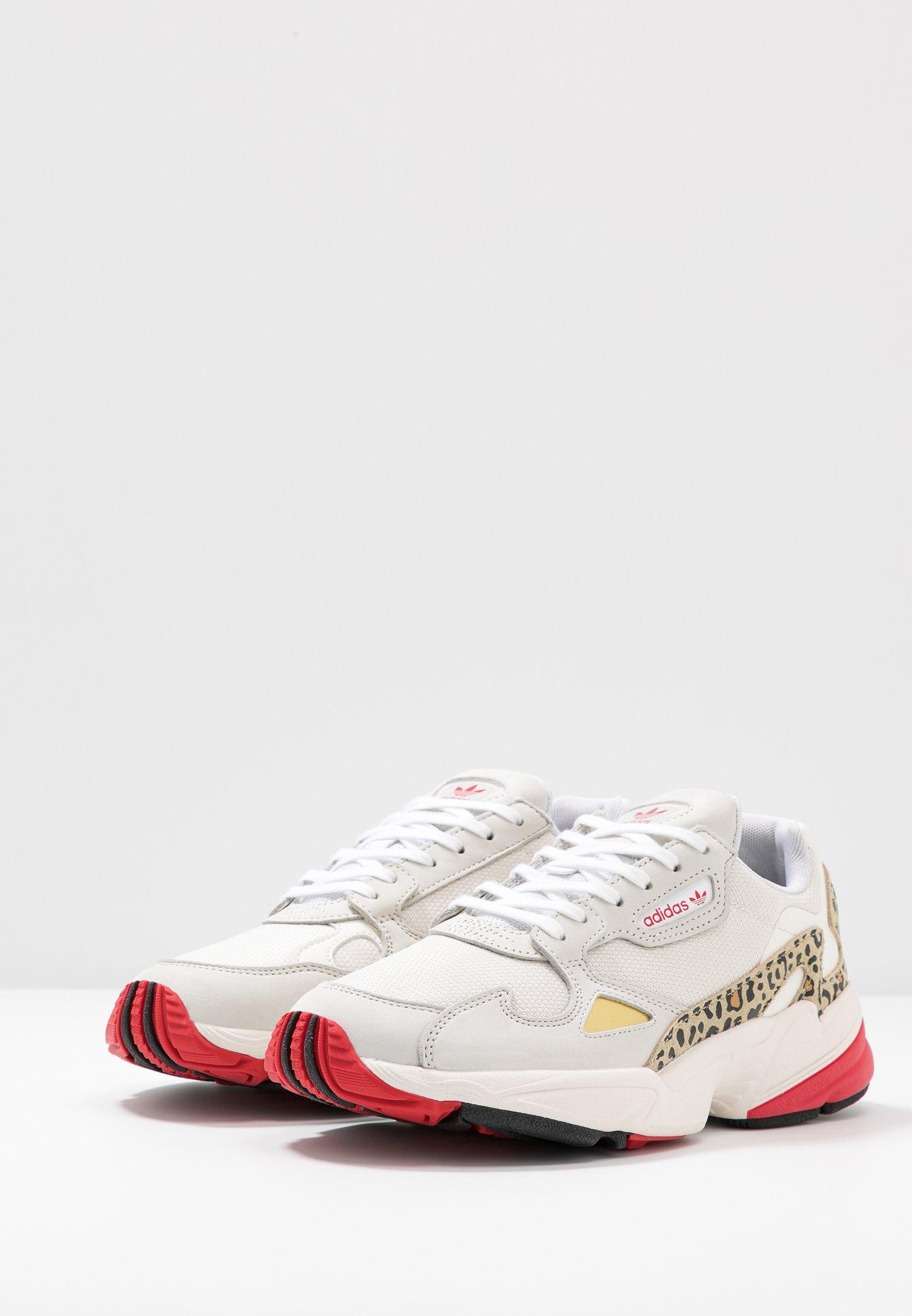 Adidas Originals Baskets Basses - Chalk White/offwhite/scarlet ZZiGUS8