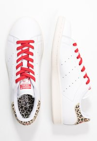 adidas Originals - STAN SMITH  - Sneaker low - footwear white/scarlet/chalk white - 5