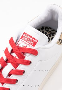 adidas Originals - STAN SMITH  - Sneaker low - footwear white/scarlet/chalk white - 2