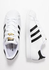 adidas Originals - SUPERSTAR  - Sneakers laag - footwear white/core black - 1
