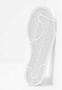 adidas Originals - SUPERSTAR  - Sneakersy niskie - footwear white - 6