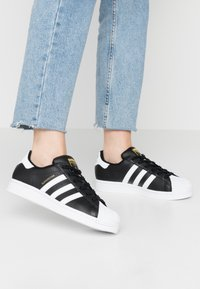 adidas Originals - SUPERSTAR  - Sneaker low - core black/footwear white - 0