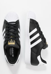 adidas Originals - SUPERSTAR  - Sneaker low - core black/footwear white - 3