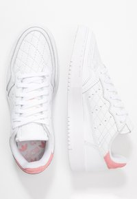 adidas Originals - SUPERCOURT  - Trainers - footwear white/glow pink - 3