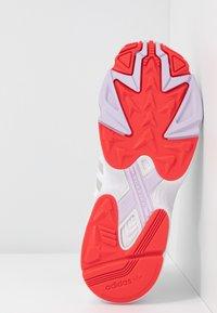 adidas Originals - 2000 - Joggesko - footwear white/grey one/purple tint - 6