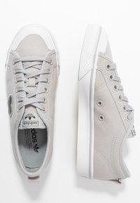 adidas Originals - NIZZA TREFOIL - Trainers - grey two/crystal white/clear black - 3