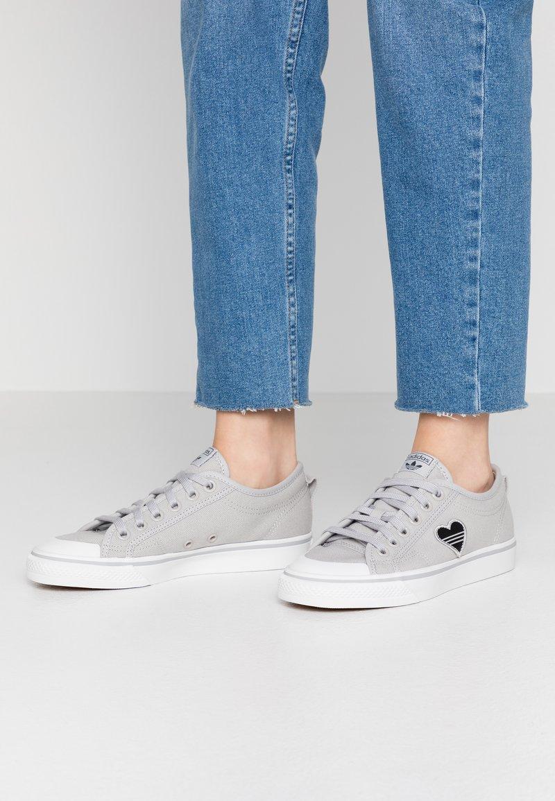 adidas Originals - NIZZA TREFOIL - Trainers - grey two/crystal white/clear black