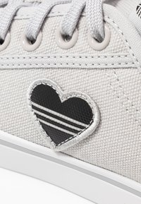 adidas Originals - NIZZA TREFOIL - Trainers - grey two/crystal white/clear black - 2