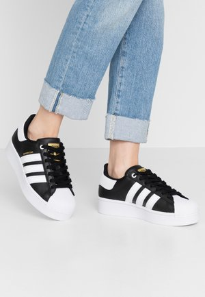 SUPERSTAR BOLD - Sneakers - core balck/footwear white/gold metallic