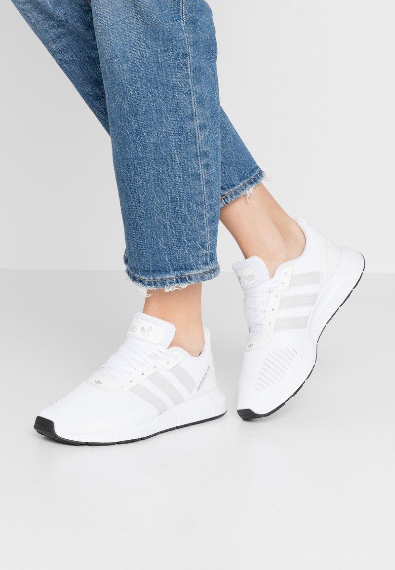 adidas Originals - SWIFT - Trainers - footwear white/grey one/core black