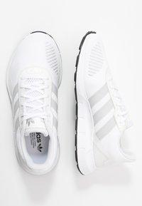 adidas Originals - SWIFT - Trainers - footwear white/grey one/core black - 3
