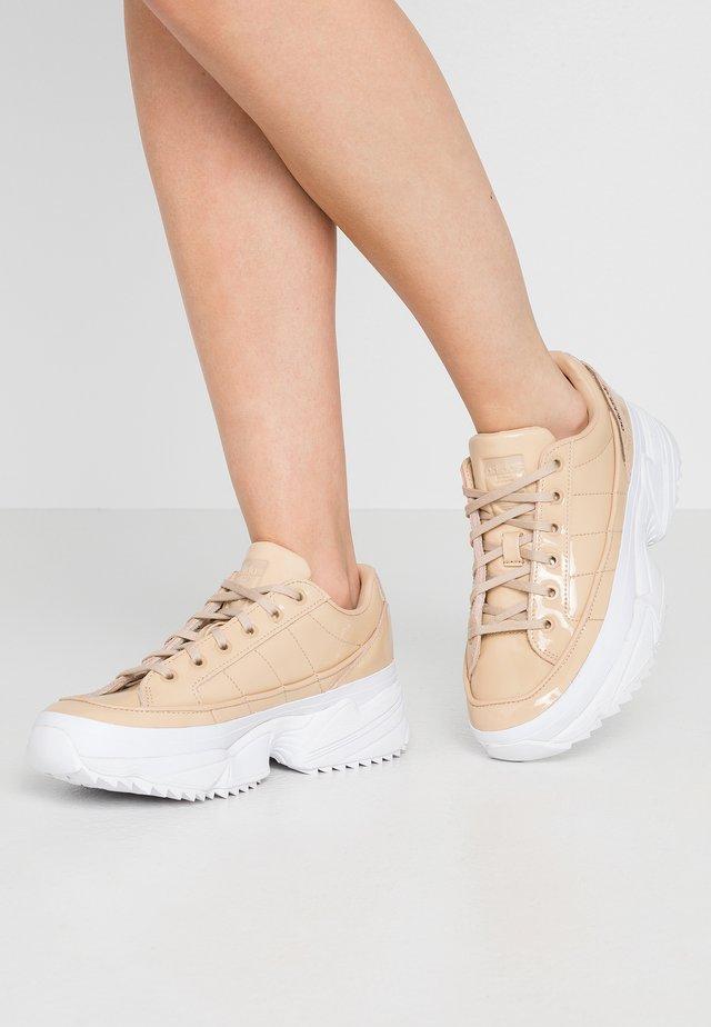 KIELLOR - Matalavartiset tennarit - pale nude/footwear white