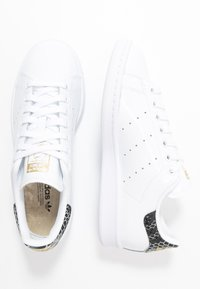 adidas Originals - STAN SMITH - Sneakers - footwear white/clear black/gold metallic - 3