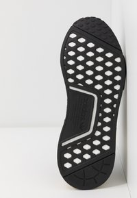adidas Originals - NMD_R1 - Sneakersy niskie - clear black/carbon - 6