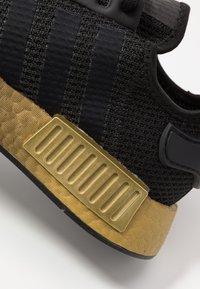 adidas Originals - NMD_R1 - Sneakersy niskie - clear black/carbon - 2