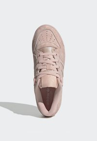 adidas Originals - RIVALRY LOW SHOES - Sneakers basse - pink - 2