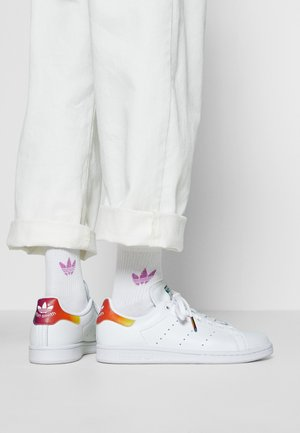 STAN SMITH - Sneaker low - footwear white