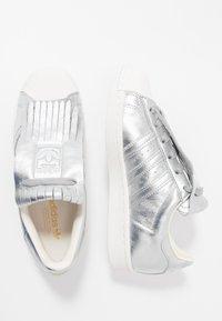 adidas Originals - SUPERSTAR  - Sneakers laag - silver metallic/clear white - 3