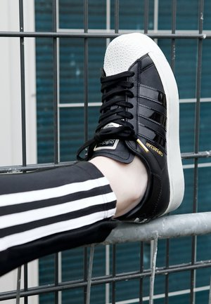 SUPERSTAR BOLD W - Sneaker low - black