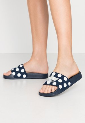 ADILETTE LITE  - Pantolette flach - collegiate navy/grey two/footwear white