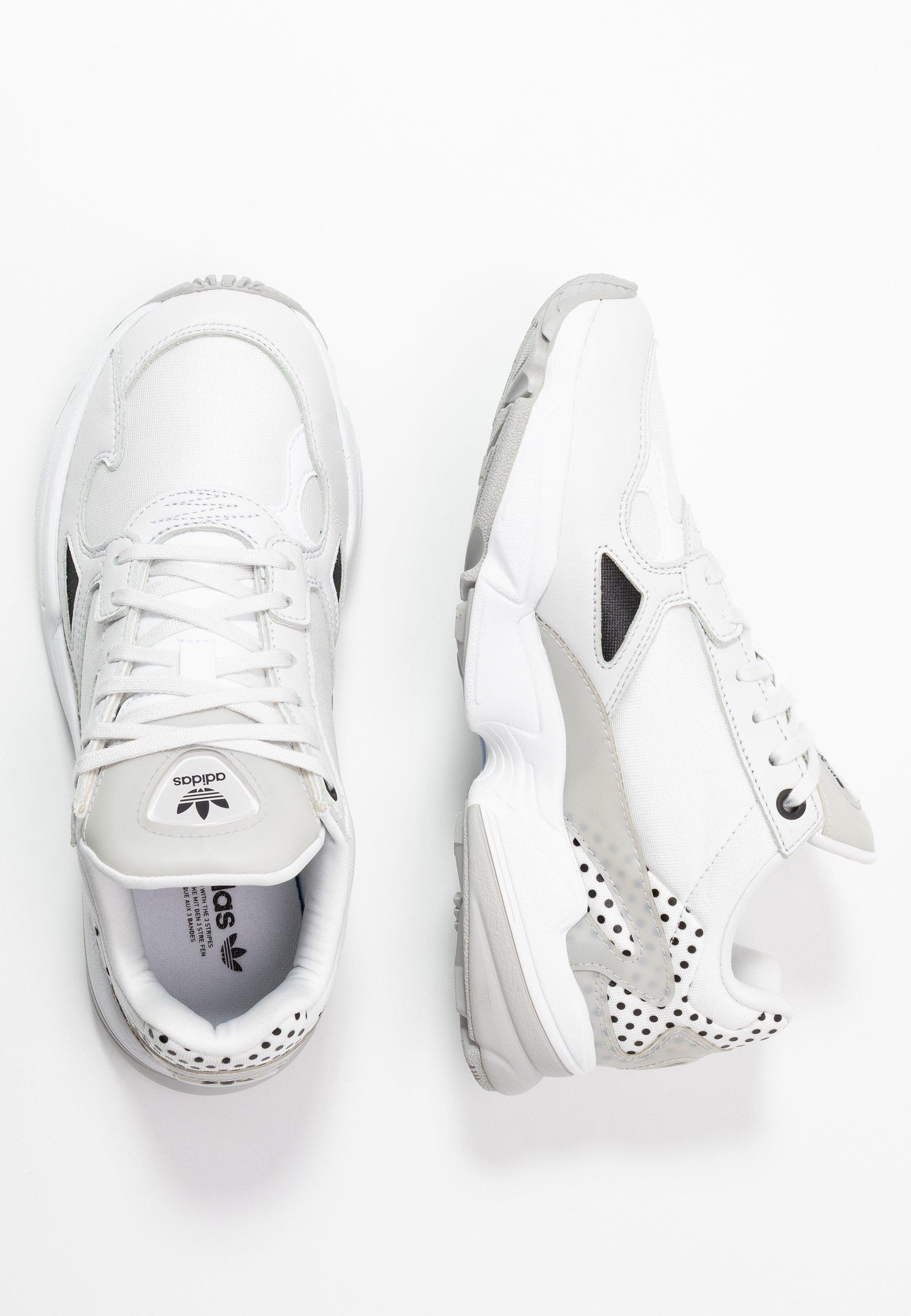 adidas Originals Baskets basses - crystal white/core black/grey two