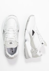 adidas Originals - Trainers - crystal white/core black/grey two - 3