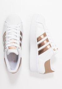 adidas Originals - SUPERSTAR  - Sneaker low - footwear white/copper metallic - 3