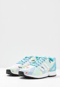 adidas Originals - ZX FLUX  - Sneakers - light aqua/footwear white/core black - 4