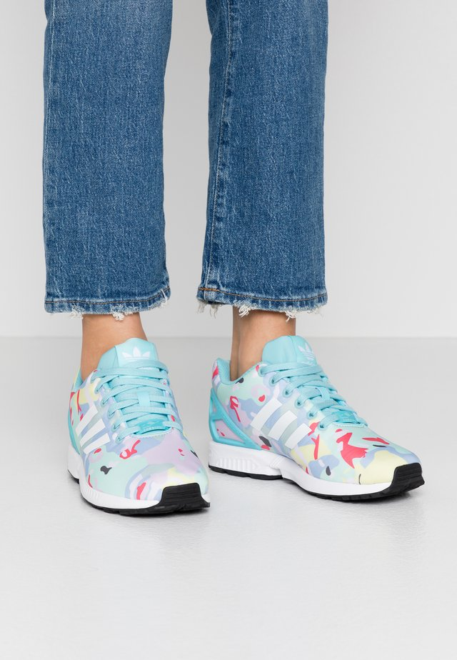ZX FLUX  - Zapatillas - light aqua/footwear white/core black