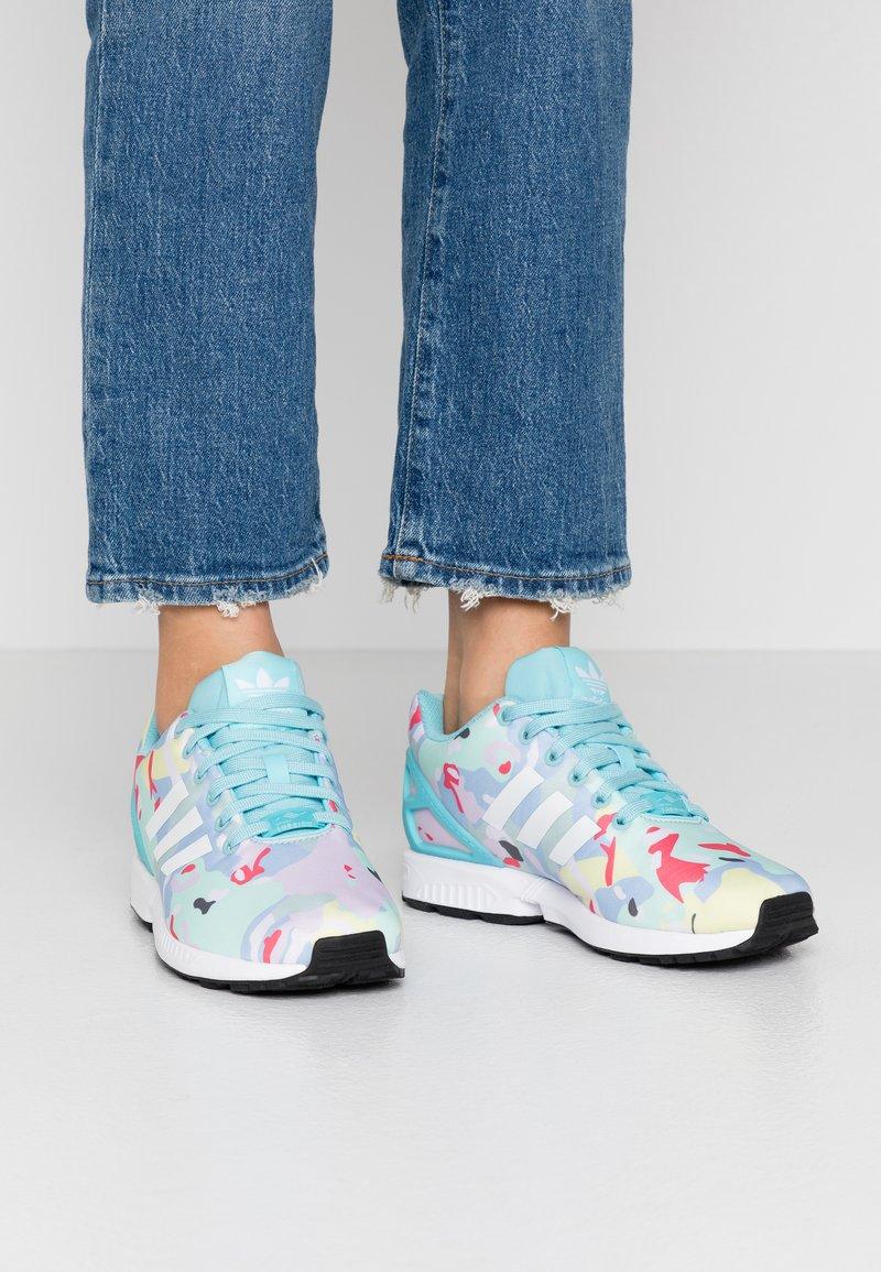 adidas Originals - ZX FLUX  - Sneakers - light aqua/footwear white/core black