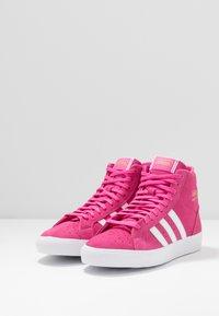 adidas Originals - BASKET PROFI WOMEN - Sneakers hoog - footwear white/gold metallic - 4