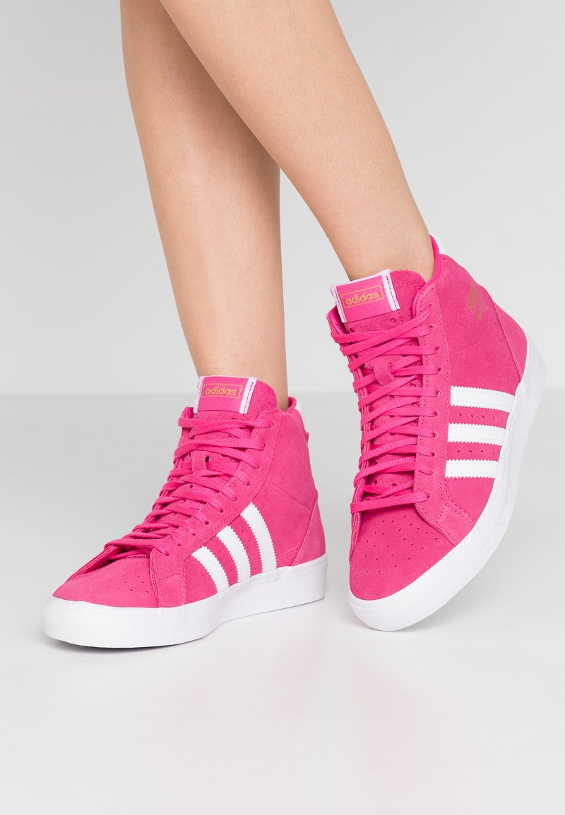 adidas Originals - BASKET PROFI WOMEN - Sneakers hoog - footwear white/gold metallic