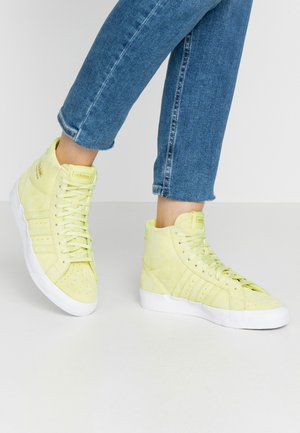 BASKET PROFI WOMEN - High-top trainers - yellow tint/footwear white/gold metallic