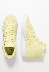 adidas Originals - BASKET PROFI WOMEN - Sneakers hoog - yellow tint/footwear white/gold metallic - 3