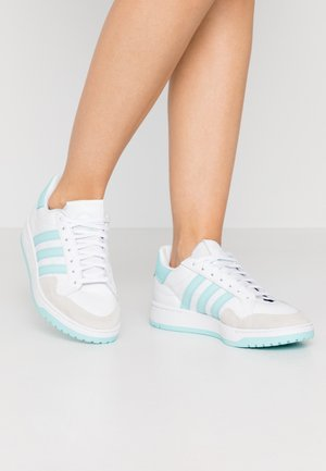 MODERN COURT - Sneakers laag - footwear white/clear aqua/core black