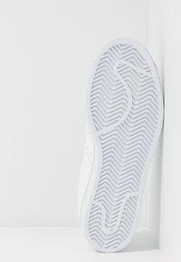 adidas Originals - SUPERSTAR METAL TOE - Sneakers laag - footwear white/silver metallic - 8
