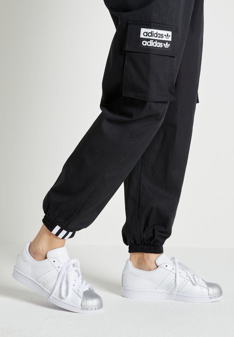 adidas Originals - SUPERSTAR METAL TOE - Sneakers laag - footwear white/silver metallic