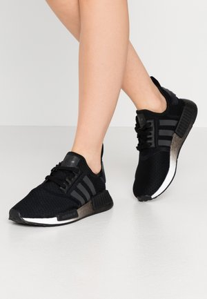 NMD_R1  - Matalavartiset tennarit - core black/footwear white