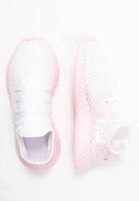 adidas Originals - DEERUPT RUNNER - Trainers - true pink/footwear white - 3