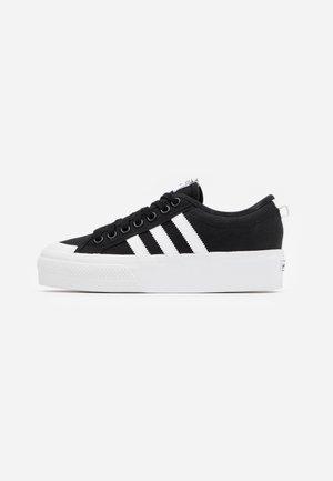 NIZZA PLATFORM - Tenisky - core black/footwear white