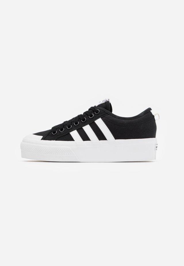 NIZZA PLATFORM - Sneakersy niskie - core black/footwear white
