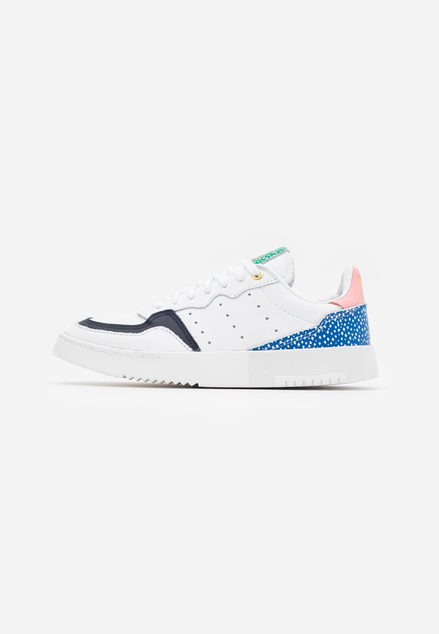 SUPER COURT SPORTS INSPIRED SHOES - Sneakers laag - footwear white/legend ink/glow pink