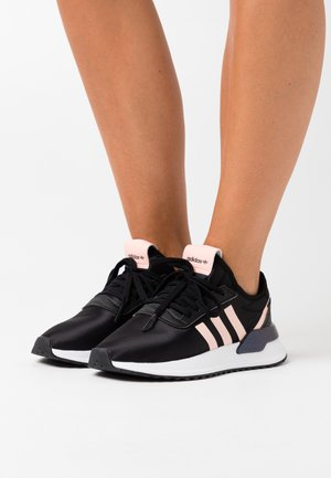 U_PATH SPORTS INSPIRED SHOES - Sneakers laag - core black/haze coral