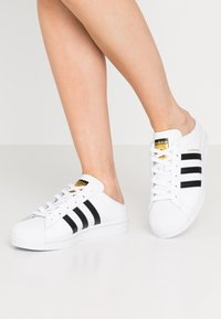 adidas Originals - SUPERSTAR - Sneakers basse - footwear white/core black - 0