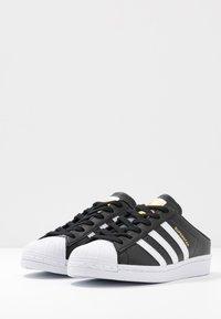 adidas Originals - SUPERSTAR - Sneakers basse - core black/footwear white - 4